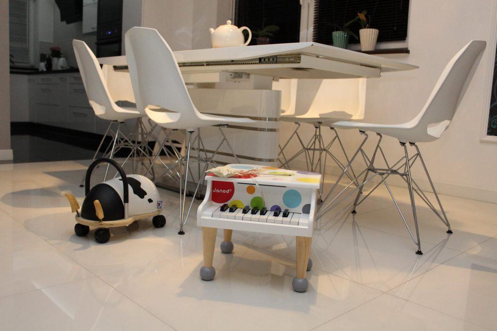 fortepian janod to świetna zabawka dla małego dziecka